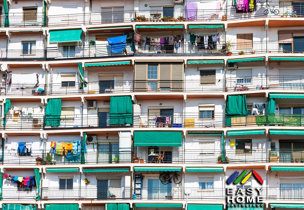 stendere i panni dal proprio appartamento in condominio